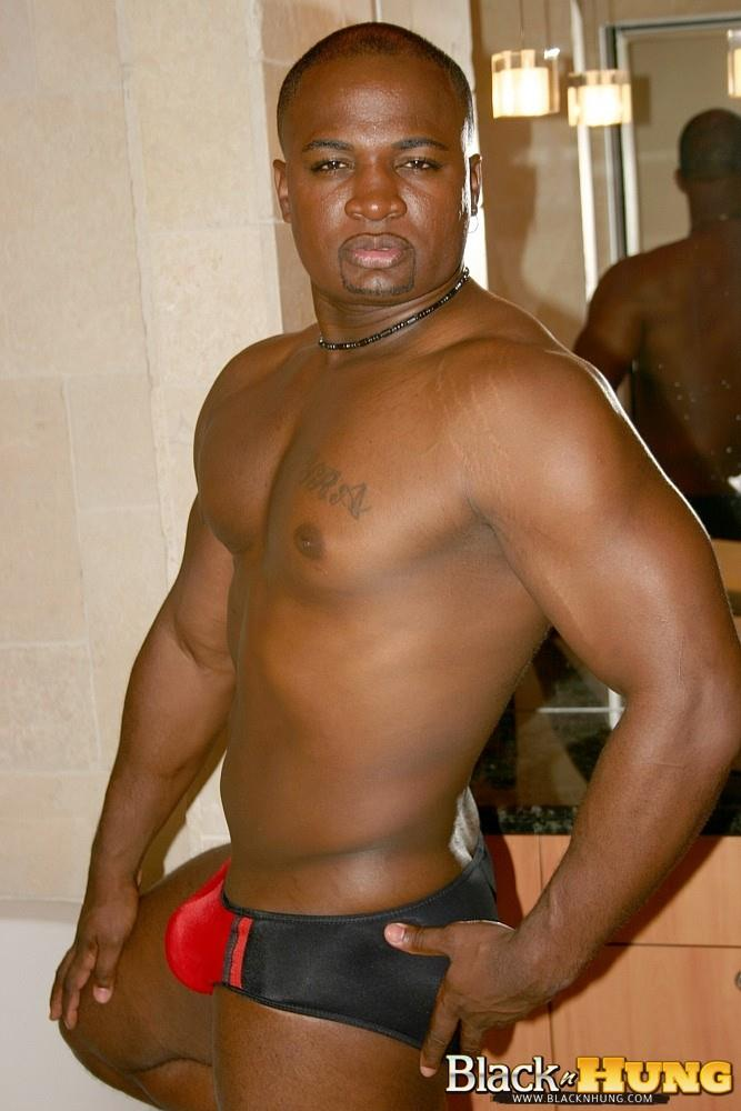 Hot Black Bodybuilder Jerking Off