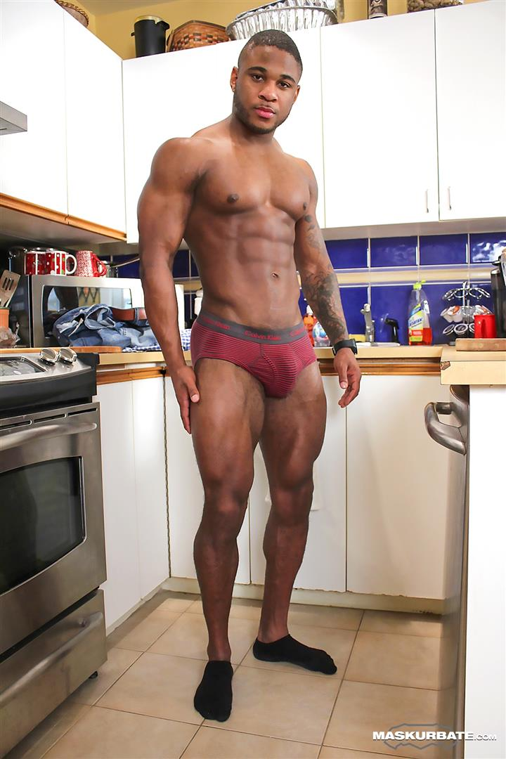 Bodybuilder big muscular gay porn
