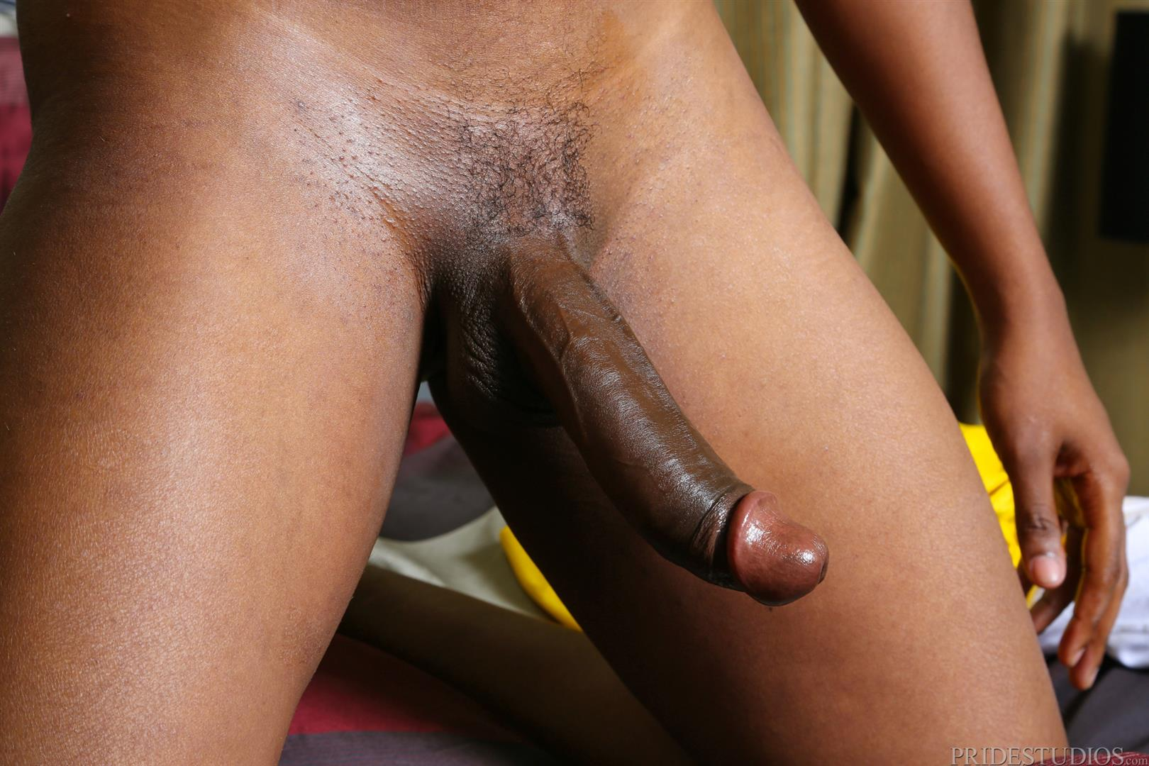Black guy jerkin off