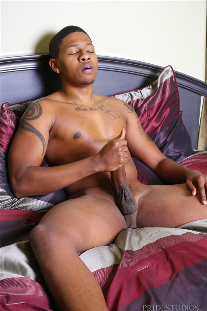 Ebony dude wanks off his big pole