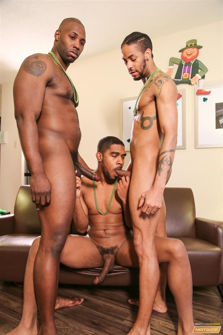 Sexy guys in threeway suck cock and fucks ass