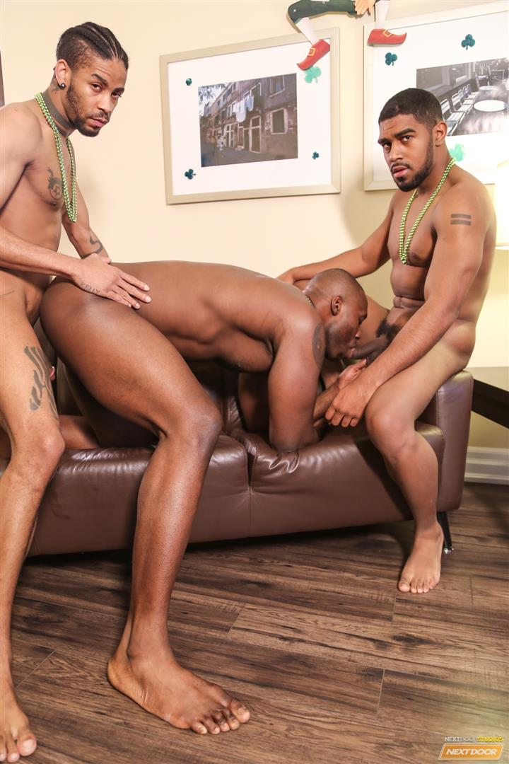 amateur ebony threesome