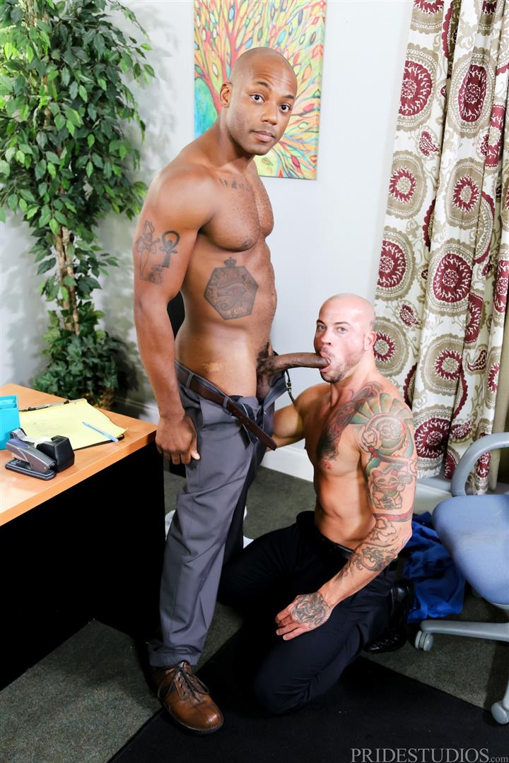 Sean Duran and Osiris Blade Extra Big Dicks Black Cock Interracial Amateur Gay Porn 08 White Muscle Hunk Takes A Big Black Cock Up The Ass During A Job Interview