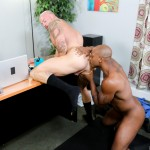 Sean Duran and Osiris Blade Extra Big Dicks Black Cock Interracial Amateur Gay Porn 09 150x150 White Muscle Hunk Takes A Big Black Cock Up The Ass During A Job Interview