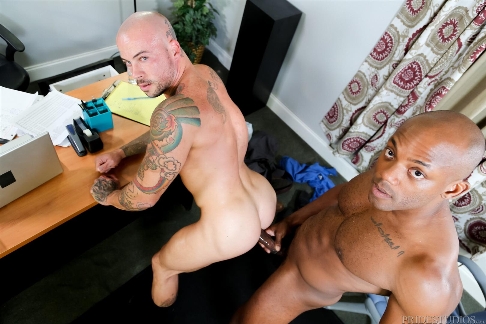 Black Muscle Cock Pounding White Ass During Massage