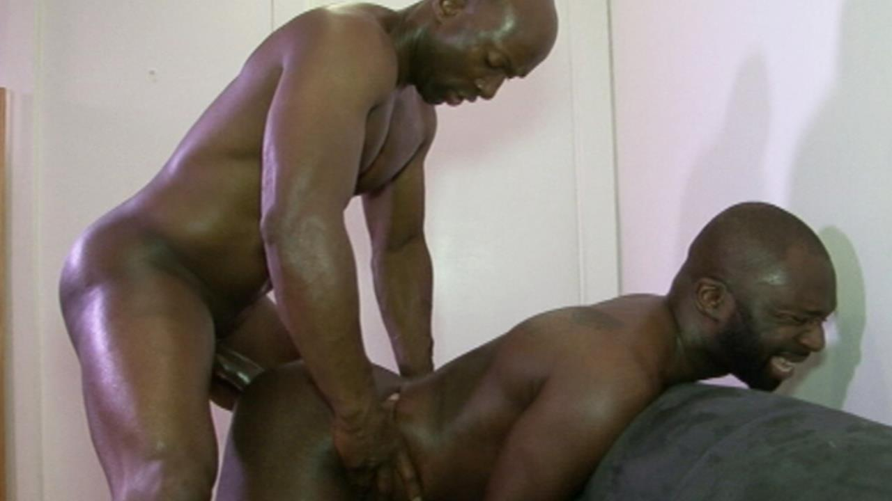 Black-Breeders-Champ-Robinson-and-Jai-Sean-Big-Black-Cock-Bareback-Free-Gay-Porn-5 Champ Robinson Breeds Jai Sean With His Big Black Cock