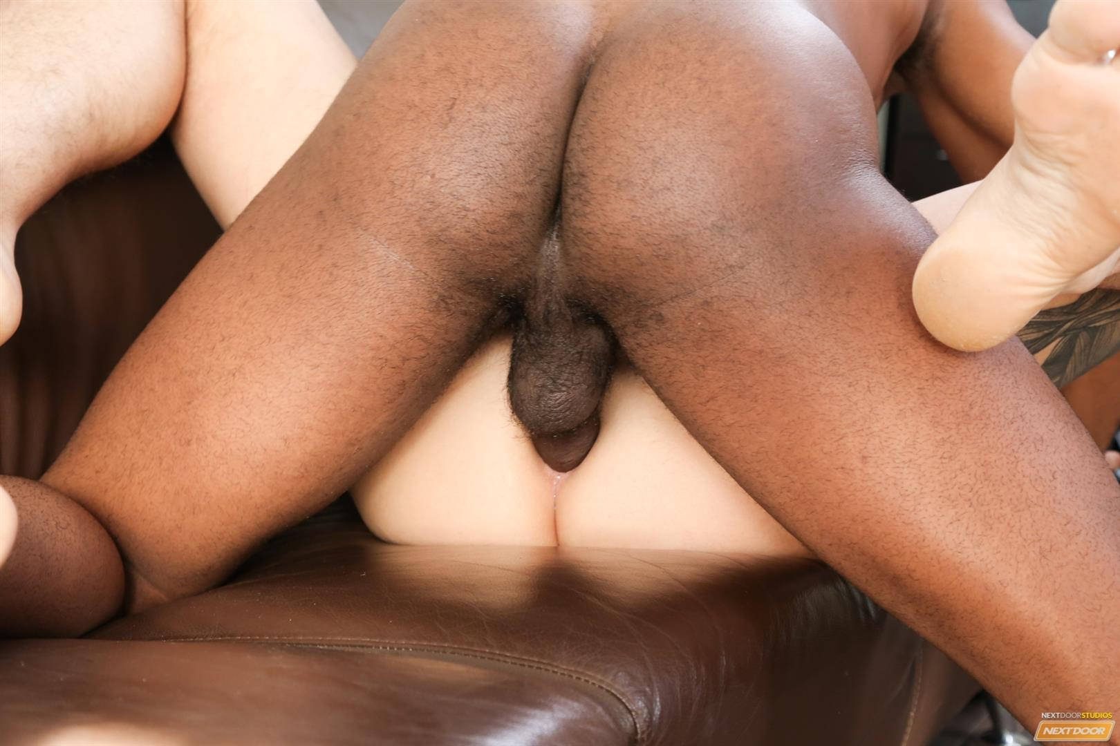 Next-Door-Ebony-XL-and-Beau-Reed-Interracial-bareback-fucking-big-black-cock-14 Bareback Flip Fucking With A Big Black Cock And A Hot White Ass